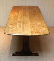 Oak Trestle Table (2 of 10)