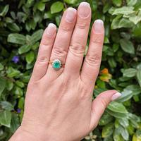 Vintage 18ct Gold Emerald & Diamond Cluster Ring (9 of 11)