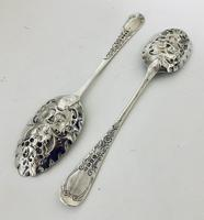 Pair of Antique Regency Solid Silver Berry Spoons (8 of 12)