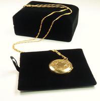 Edwardian Engraved 9ct Yellow Gold Locket Pendant (5 of 10)