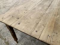 Large Antique Pine Farmhouse Table on Turned Legs (17 of 19)