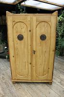 Fabulous Old Pine 2 Door Cupboard / Linen Cupboard / Food / Larder with Shelves  - We Deliver! (2 of 11)