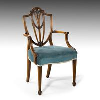 Most Attractive Set of 8 Early 20th Century Hepplewhite Chairs of Classical Form (2 of 5)