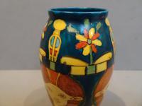 Foley Art China. Harijan Vase (3 of 6)