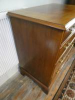 Small Early 20th Century Mahogany Chest of Drawers (2 of 10)
