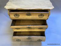 Dutch Commode Chest of Drawers (13 of 16)