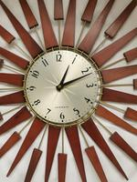 Vintage Star Burst Clock (2 of 5)