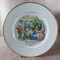 "Royal Worcester ""Christmas Evening"" Christmas Plate"