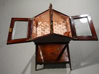 A Extremely Pretty 19th Century Rosewood and Marquetry Ladies Work Table (4 of 6)