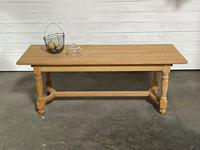 Nice Bleached Oak Farmhouse Dining Table (17 of 19)