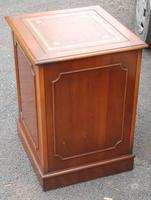 1960s Mahogany Small Filing Cabinet with Tan Leather Top (4 of 5)