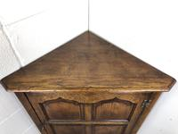 Early 20th Century Oak Corner Cupboard (2 of 8)
