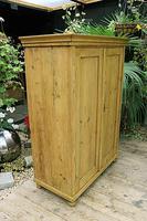 Gorgeous Old Pine 2 Door Cupboard with Shelves - Linen/ Larder/ Storage/ Food/ Wardrobe (3 of 10)