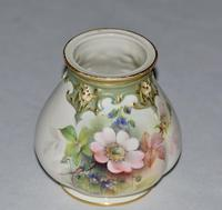 1908 - Royal Worcester - Hand Painted Ovoid Shaped Small Vase - Signed Cole (2 of 9)