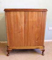 Antique Bow Front Figured Walnut Chest of Drawers (11 of 11)