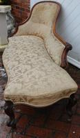 1900's Well Carved Walnut Chaise with Back in Beige. (2 of 4)