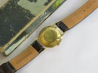 Gents 9ct gold Ernest Borel watch with box and papers (2 of 5)