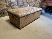 Superb Country House Ottoman (6 of 8)