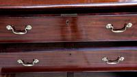 Excellent Quality George II Mahogany Chest of Drawers c.1750 (2 of 8)