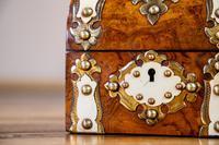 Burr Walnut Perfume Box 1870 (2 of 13)