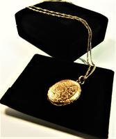 Antique Solid Gold Fully Hallmarked Locket with Chain (3 of 8)