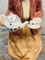 Tea Time Figurine (2 of 9)