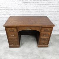 Oak Pedestal Desk (5 of 9)