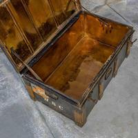 Victorian Tin Trunk (7 of 9)