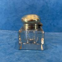 Victorian Cut Glass Inkwell with a Brass Top (8 of 10)