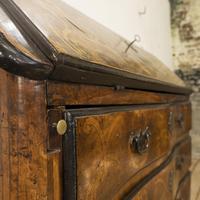 18th Century Italian Piemonte Walnut Serpentine Bureau (4 of 14)