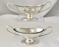 Pretty Pair of Silver Salts Retailed by Walker & Hall, London 1882 (4 of 6)