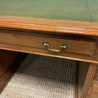 Superb Quality Large Edwardian Walnut Antique Office Desk (2 of 7)