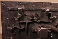 Nuremberg Chest or Pirate Chest 17th Century in Wrought Iron (11 of 12)
