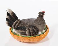 Late 19th Century Well Coloured Oval Hen Basket (2 of 4)