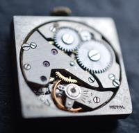 1926 Art Deco Period 9k Gold 'Tank' Wristwatch (4 of 5)
