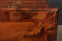 Queen Anne Walnut Chest of Drawers C.1710 (2 of 12)