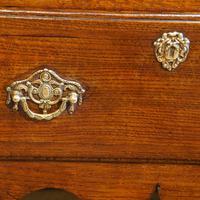 Fine George III Oak Cabriole Leg Dresser (3 of 8)