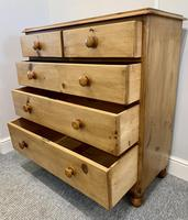 Antique Victorian Pine Chest of Drawers with Key (14 of 15)