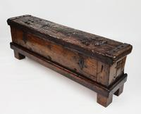 Early 16th Century Coin Chest (2 of 18)