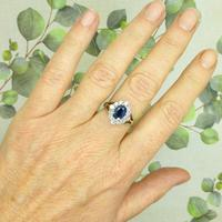 Vintage 18ct white gold sapphire diamond cluster ring ~ 1.55ct sapphire (10 of 10)