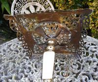 Ornate Brass Trivit 1850 (6 of 13)