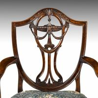 Elegant Set of 8 Early 20th Century Classical Hepplewhite Chairs (3 of 6)
