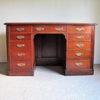 Mahogany Kneehole Desk (9 of 11)