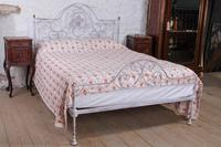 Very pretty forged iron king size bed