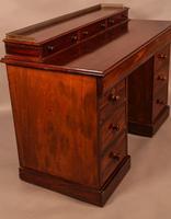 Victorian Mahogany Knee Hole Desk (8 of 8)