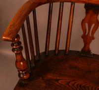 A Set of 4 Yew Tree Windsor Chairs Rockley Workshop (8 of 21)