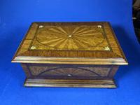 19th century French Walnut Inlaid Jewellery Box. (4 of 16)