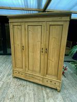 Fabulous! Old Pine Triple Knock Down Wardrobe - Option of Mirror (2 of 19)