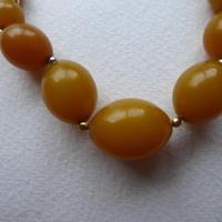 Graduated Bakelite Bead Necklace (11 of 11)