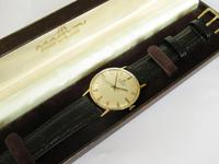 Gents 9ct Gold Marvin Revue Wristwatch (2 of 5)